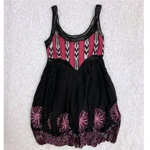 bebe Dresses - New Bebe Vivianne Dress embroidered lace back XS